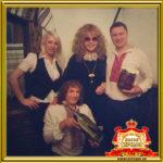 Двойник Аллы Пугачевой на праздник в Москве фото с гостями