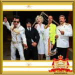 Двойники исторических персонажей встречают гостей на празднике в Москве фотозона