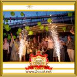 Фото - Двойник капитана Джека Воробья фото с гостями праздника на корабле