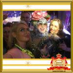 Двойник Сердючки и певица Светлана Яковлева на празднике в ночном клубе